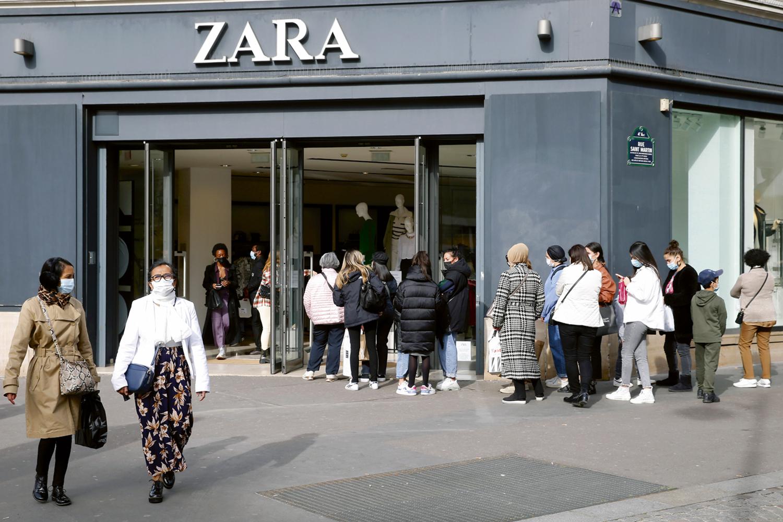 NA FILA -Unidade da Zara em Paris: a companhia foi a precursora do movimento -