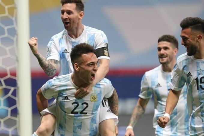 Lautaro Martinez e Lionel Messi