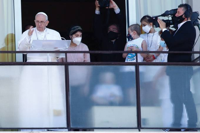 Pope Francis Holds His Angelus At The Gemelli Hospital