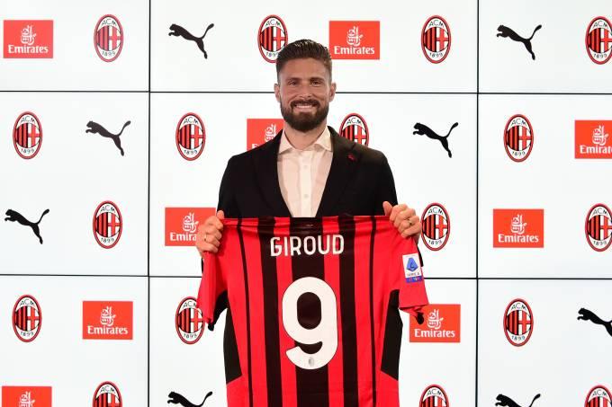 AC Milan Unveil New Signing Olivier Giroud