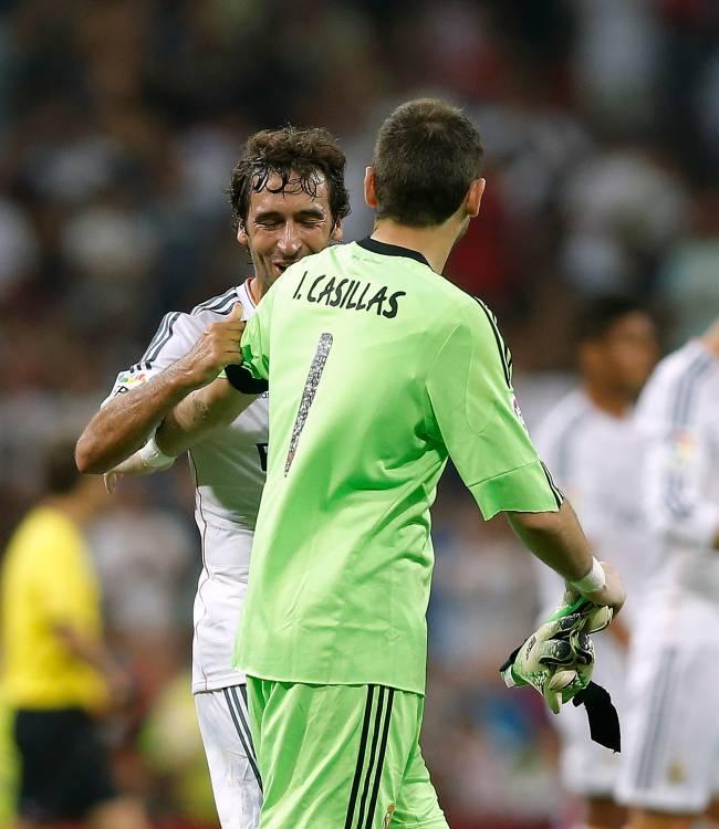 Raúl Gonzalez e Iker Casillas, dois dos maiores ídolos do Real Madrid -