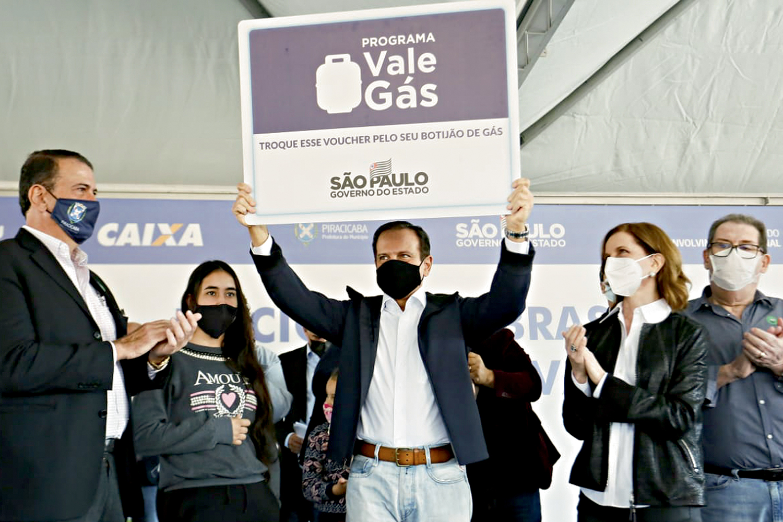 """SOCIAL -O governador anuncia Vale Gás e Bolsa do Povo: aposta nos """"auxílios emergenciais"""" de São Paulo -"""