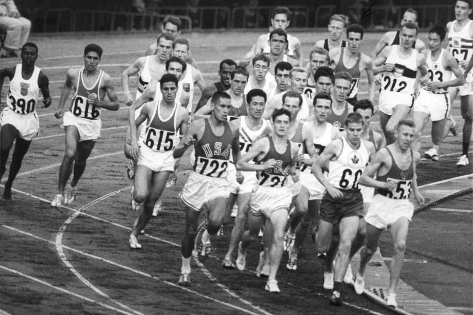 Prova dos 10.000 metros nas Olimpíadas de Tóquio, em 1964 -