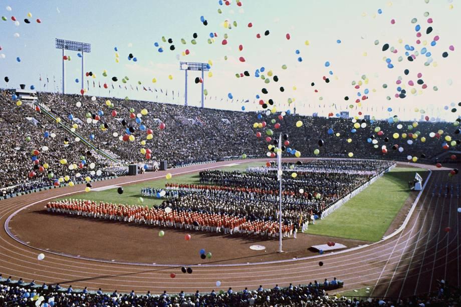 Cerimônia de abertura das Olimpíadas de 1964, em Tóquio -