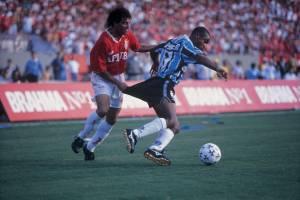 Jogo entre o Internacional e o Grêmio, pelo Campeonato Gaúcho de Futebol de 1996 -