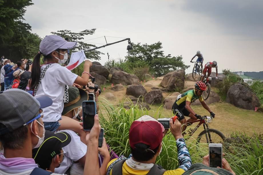 Público em prova do ciclismo MTB, no Izu MTB Course -