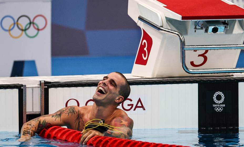 O brasileiro Bruno Fratus vibra ao conquistar a medalha de bronze -