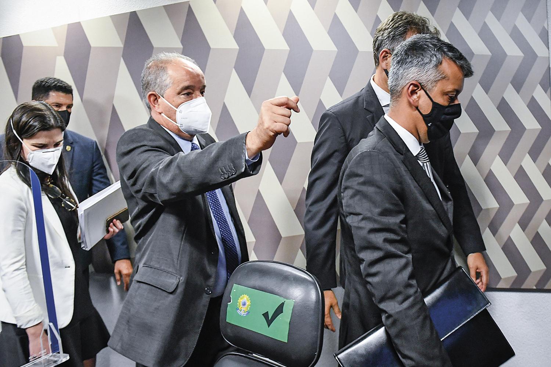 INTIMIDAÇÃO -Roberto Dias: o ex-diretor do Ministério da Saúde recebeu ordem de prisão dos senadores -