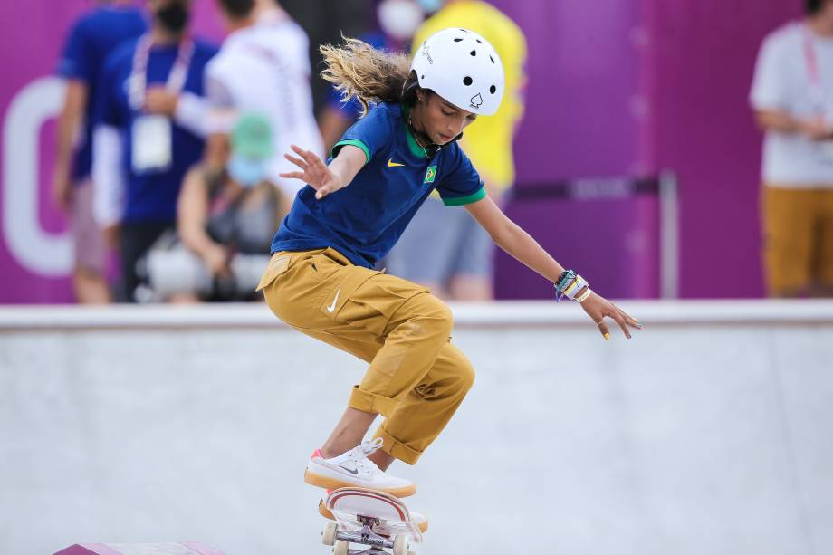 A skatista brasileira Rayssa Leal durante sua apresentação na categoria street do skate feminino -
