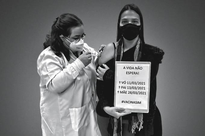 Tallyta-Bueno-de-Cerqueira-recebeu-a-primeira-dose-da-vacina-Ponta-Grossa.jpg