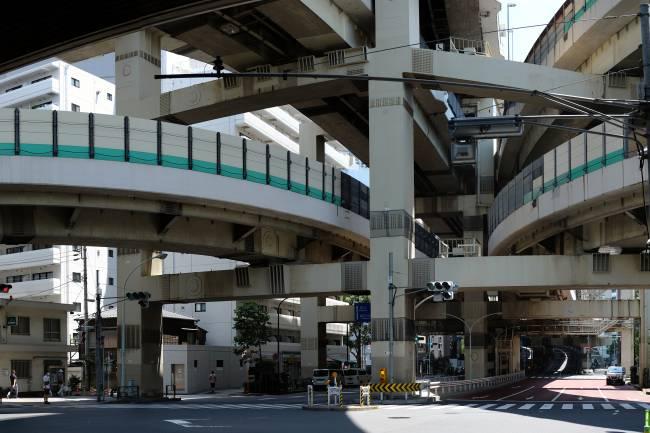 Pistas da Via Expressa Metropolitana de Tóquio -