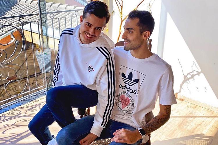 Douglas e seu companheiro, Gabriel -