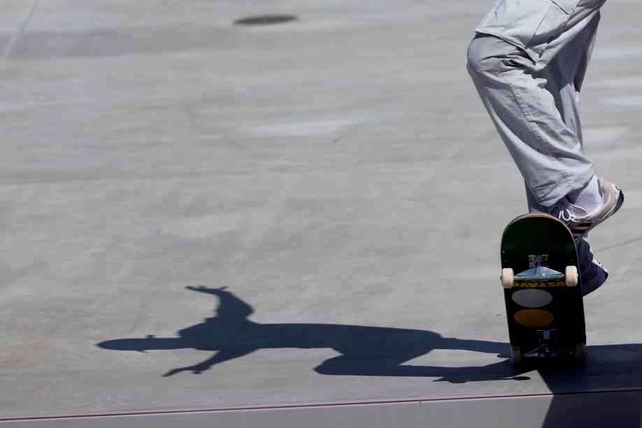 O brasileiro Gustavo Felipe em ação no skate -
