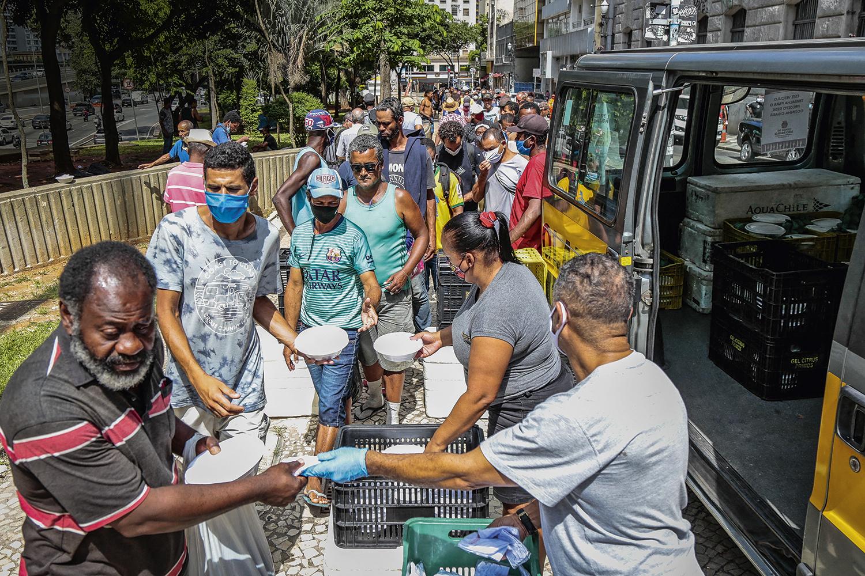 DESAFIO - Distribuição de refeições: novo Bolsa Família terá peso na campanha -
