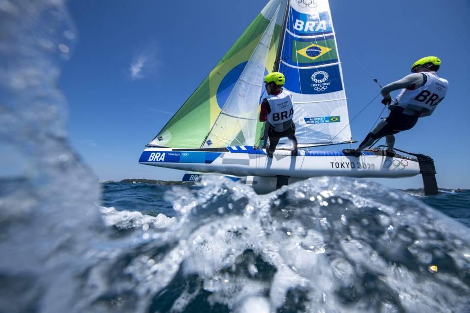 Samuel Albrecht e Gabriela Nicolino, do Brasil, durante regata no medal race -