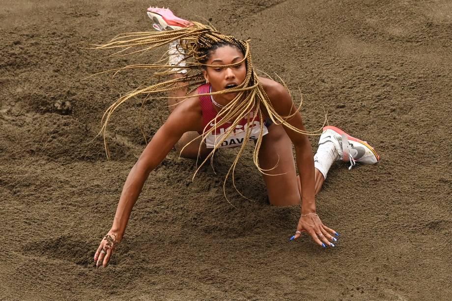 Tara Davis, dos Estados Unidos, na final do salto em distância -