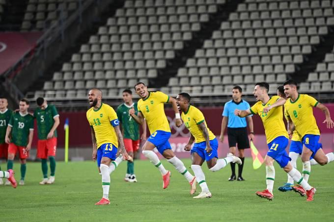 Jogadores do Brasil celebram a vaga na final da Olimpíada de Tóquio