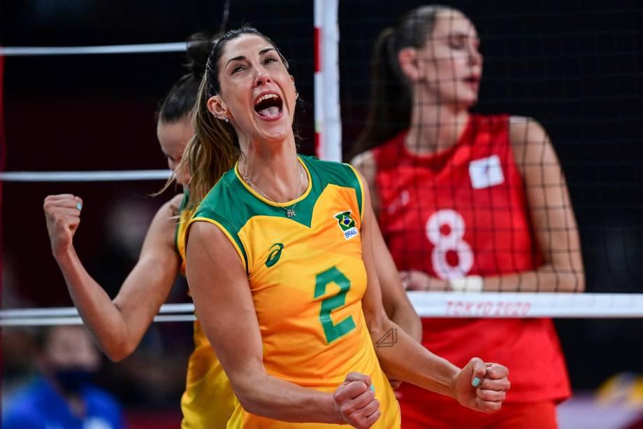 Carol, do Brasil, na quarta de final do vôlei feminino contra a Rússia -