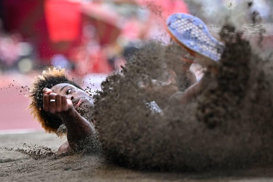 Melvin Raffin, da França, durante prova do salto triplo no atletismo -