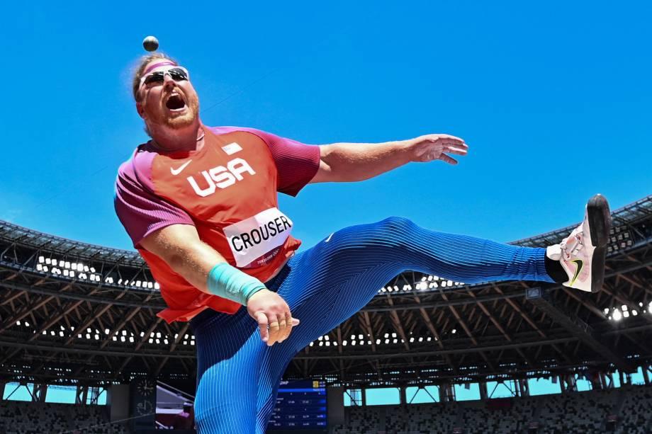 Ryan Crouser, dos Estados Unidos, competindo durante prova pelo arremesso de peso -