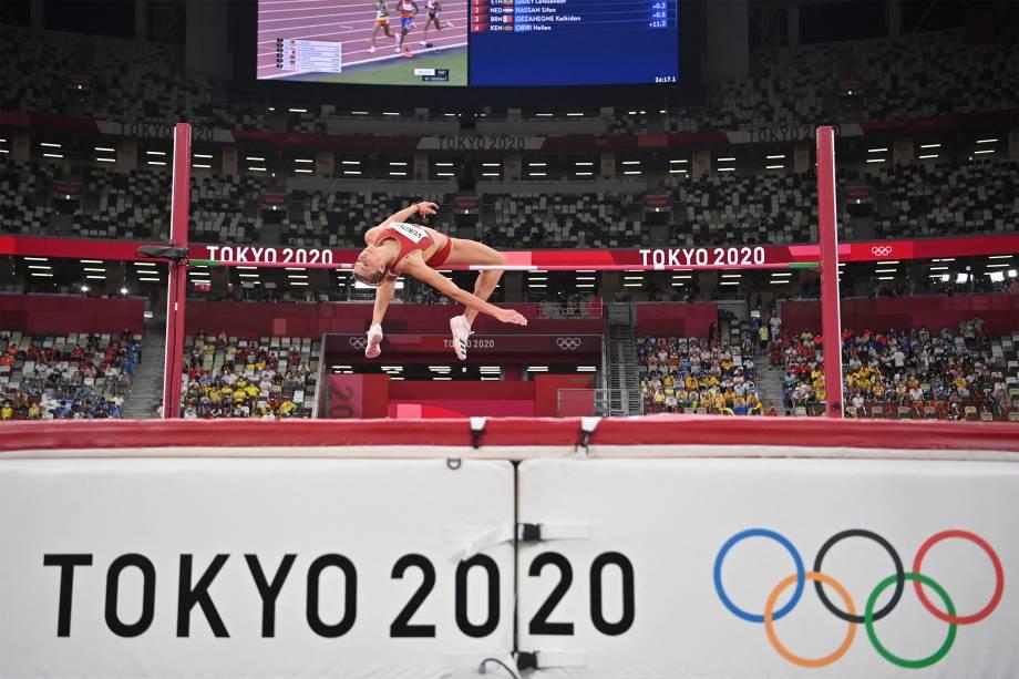 Marija Vukovic, de Montenegro, na final do salto em altura -