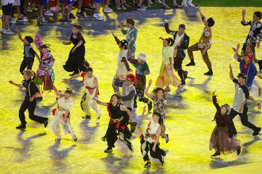 Dançarinos na cerimônia de encerramento dos Jogos Olímpicos -