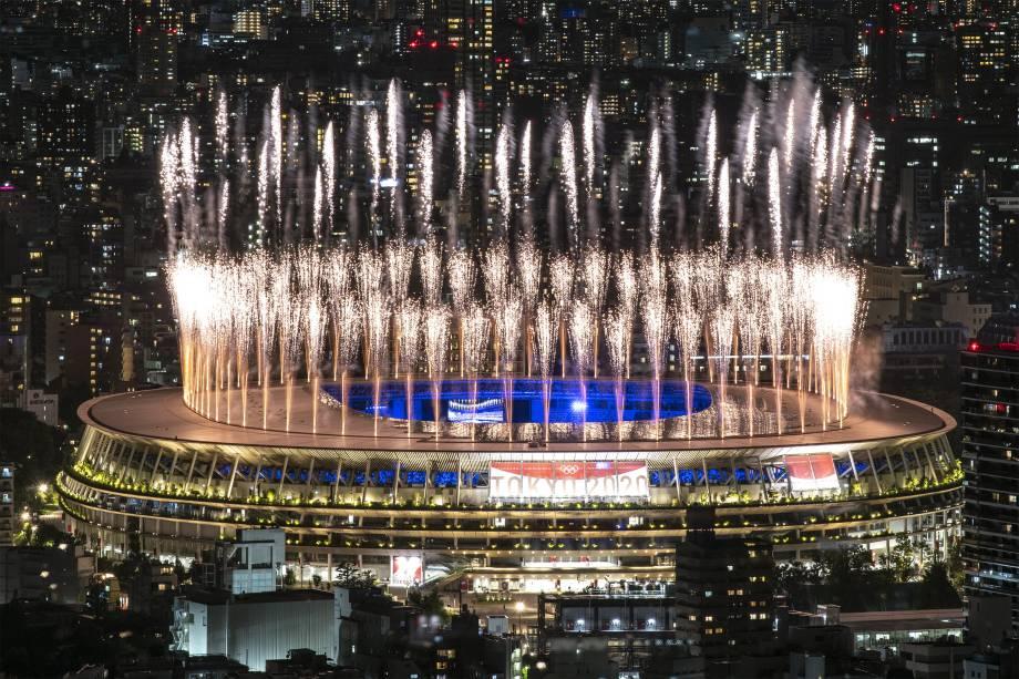 Queima de fogos no Olympic Stadium na cerimônia de encerramento -