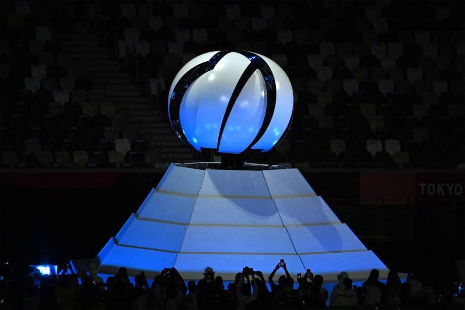 Pira olímpica apagada na cerimônia de encerramento -