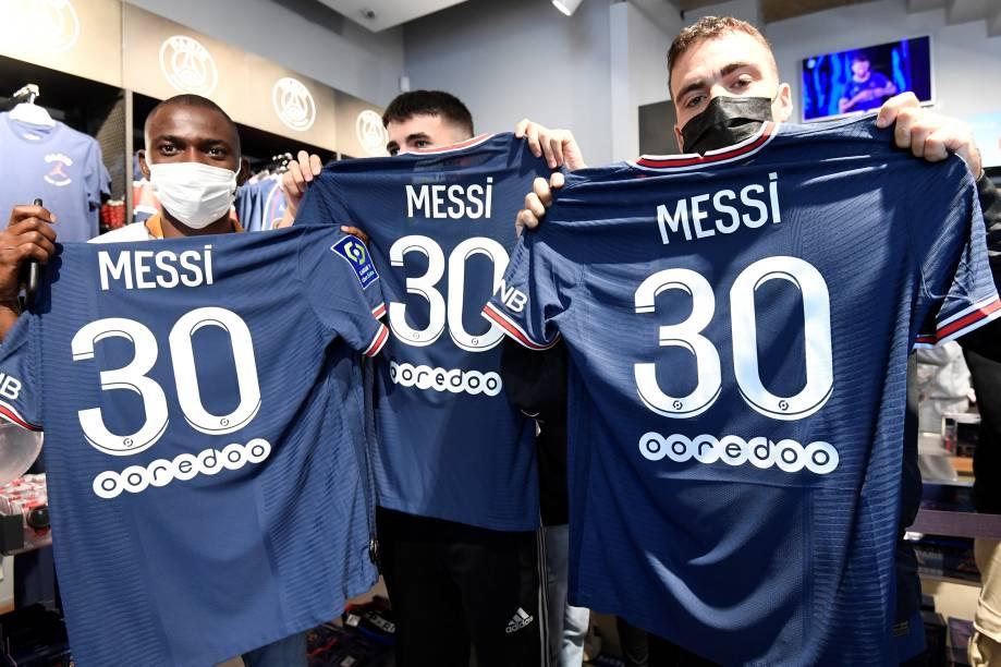 Camisas de Messi no PSG já são comercializadas -