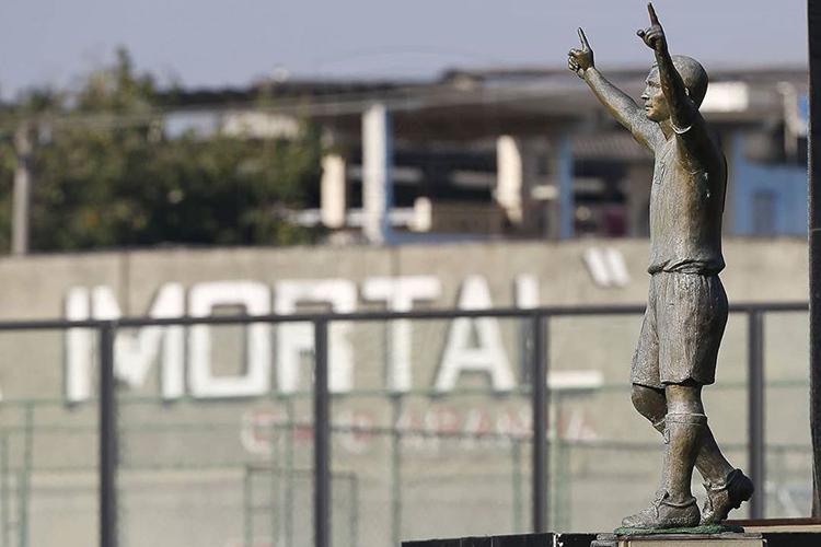 Estátua de Romário, ídolo do Vasco da Gama, em São Januário -