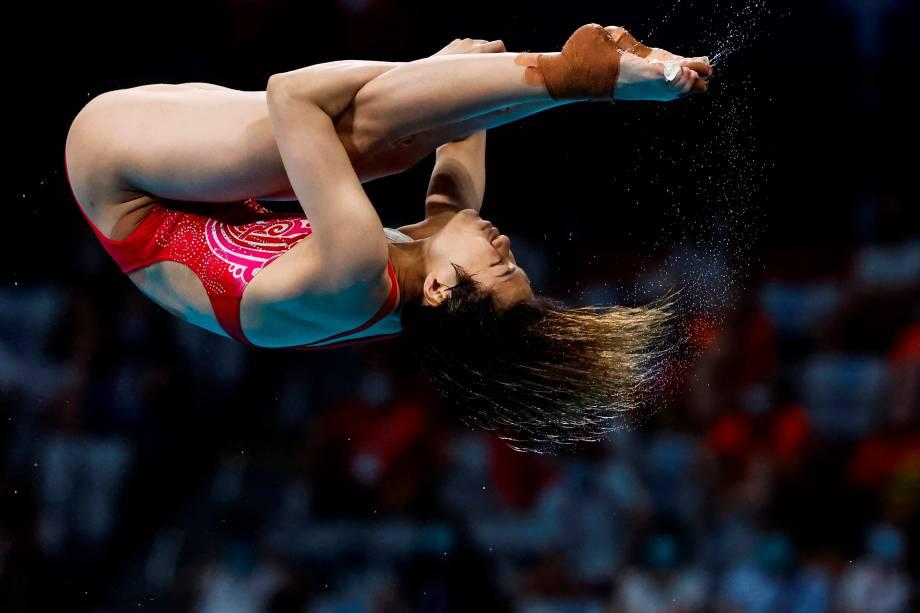 Tingmao Shi, da China, durante sua performance no salto em trampolim -