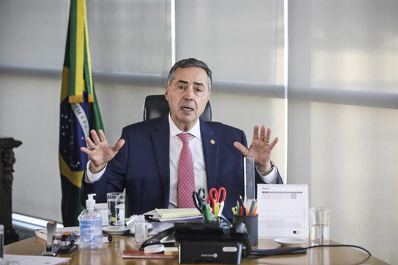 CRUCIAL -Barroso: corpo a corpo com deputados sobre urnas eletrônicas -