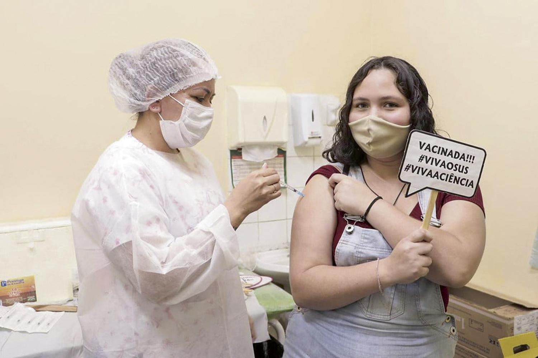 EU QUERO É ME VACINAR -Festa adolescente em SP: virada de vacinação -