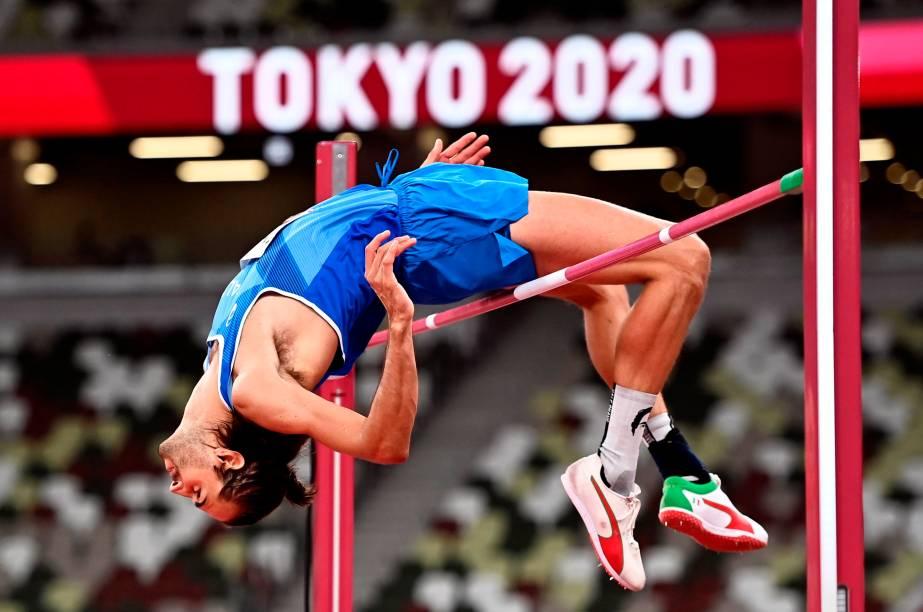 Gianmarco Tamberi, da Itália, em ação no salto em altura -
