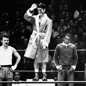 Servilio de Oliveira (à direita) nos Jogos de 1968 -