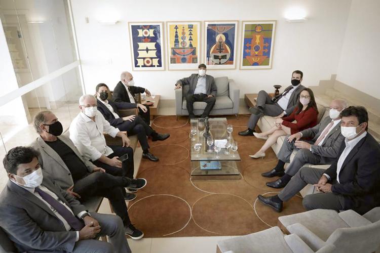 TERCEIRA VIA -Reunião em Brasília: o centro em busca do candidato ideal -