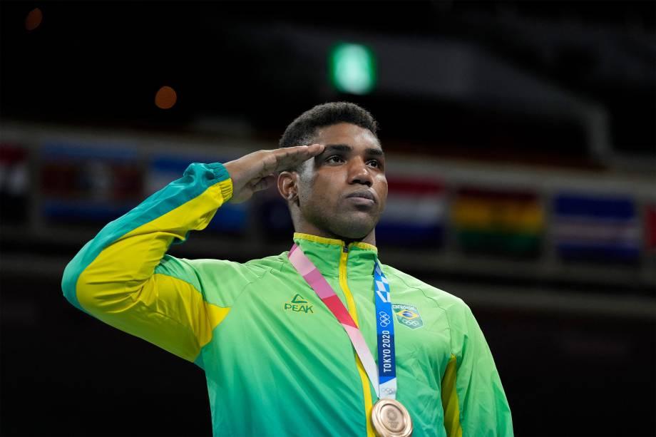 Abner Teixeira, do Brasil, conquista o bronze no boxe -
