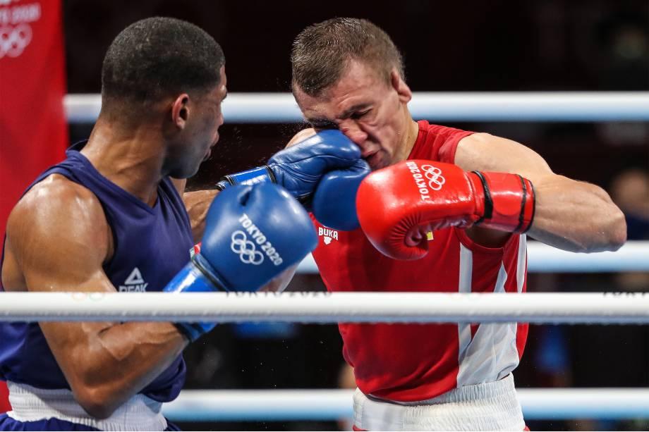 Hebert Conceição nocauteia o ucraniano Oleksandr Khyzhniak e ganha o ouro no boxe -