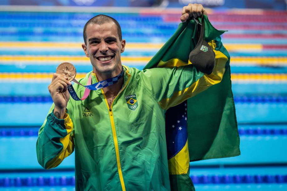 O nadador Bruno Fratus, do Brasil, ganha o bronze nos 50m livre -
