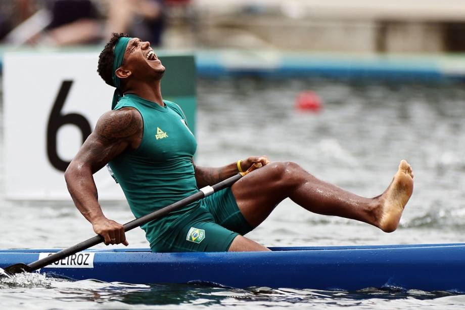 Isaquias Queiroz é ouro na prova do C1 1000 metros da canoagem | VEJA