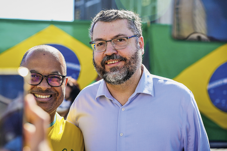 AINDA SEM LEGENDA -O ex-chanceler Ernesto Araújo: conversas com o PTB -