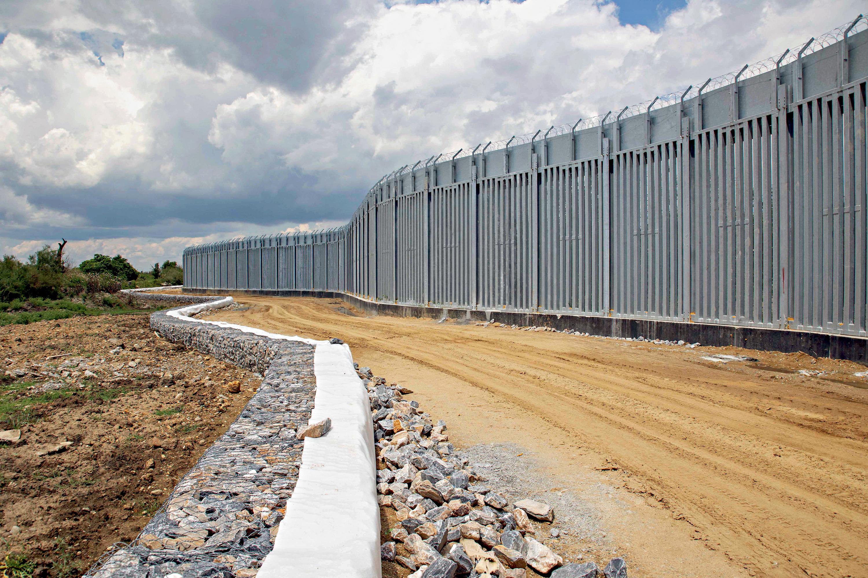 BARREIRA -A Grécia constrói muro: a ideia é evitar a vinda maciça de afegãos -