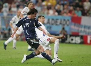 Lionel Messi marcou seu primeiro gol em Copas do Mundo em 2006, diante da Sérvia