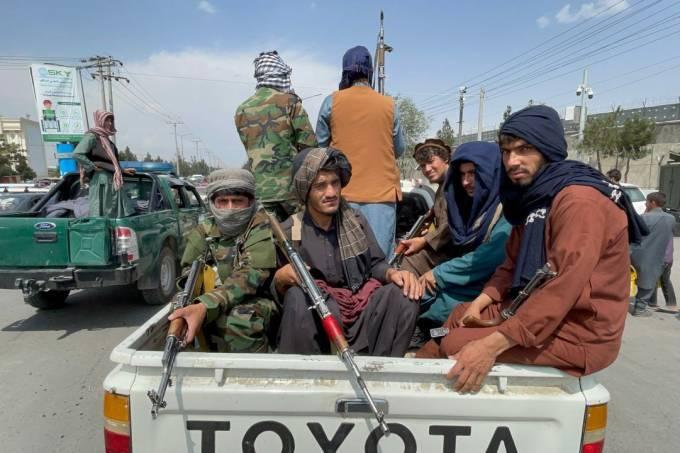 Taliban take control of Kabul airport after US withdrawal