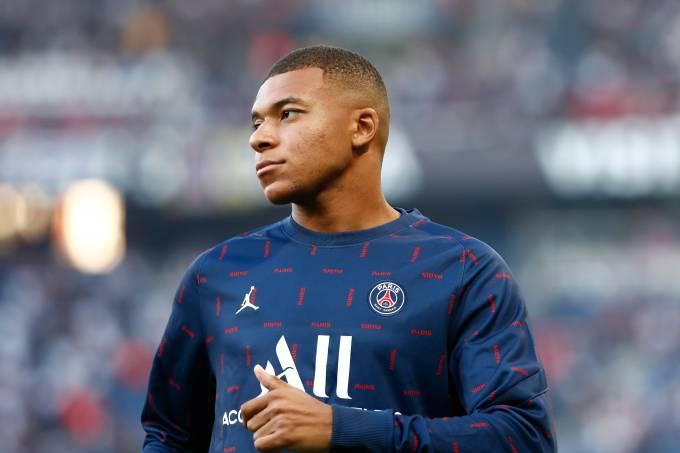 Paris Saint Germain v RC Strasbourg – Ligue 1 Uber Eats