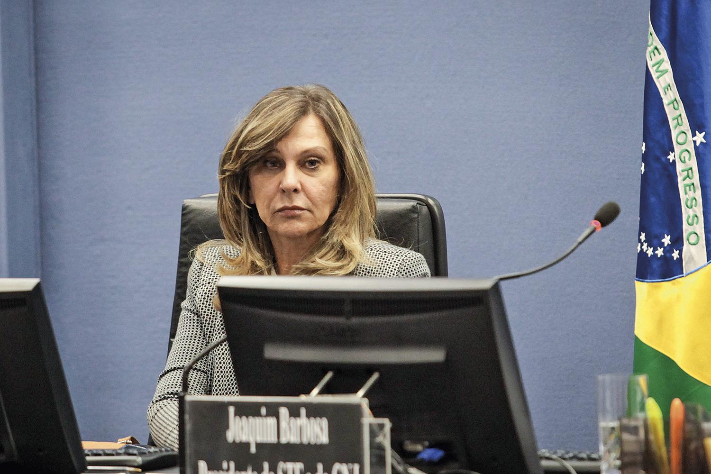 FAVORITA- Lindora Araújo: subprocuradora-geral é cotada para substituir Aras caso ele consiga virar ministro do STF -