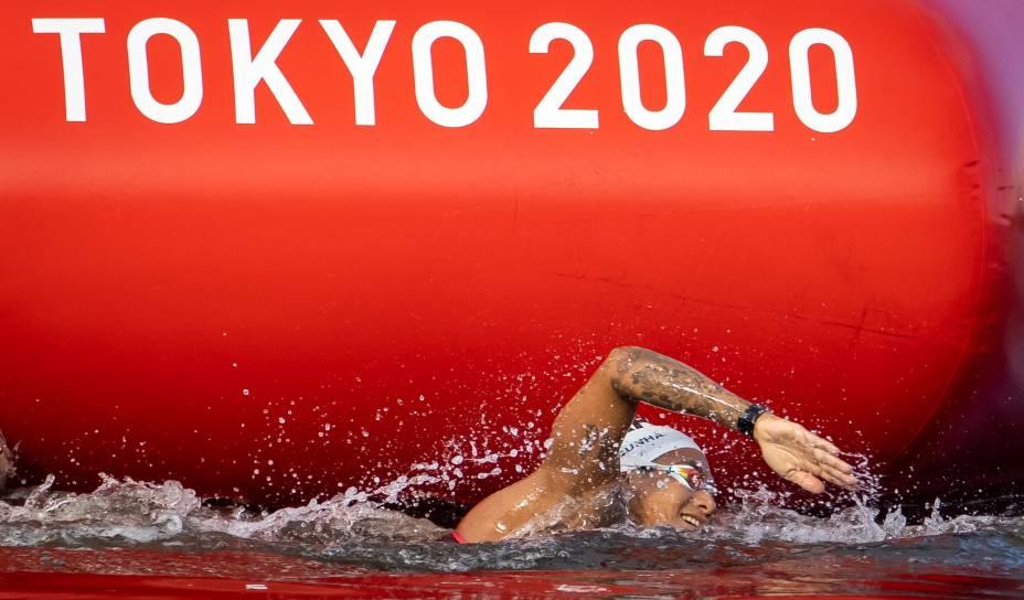 Ana Marcela na disputa da prova dos 10 km na maratona aquática dos Jogos Olímpicos de Tóquio