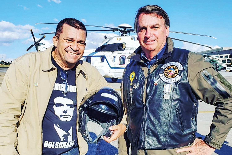 SEMPRE JUNTOS -Sargento Max: com Bolsonaro em passeios de moto -