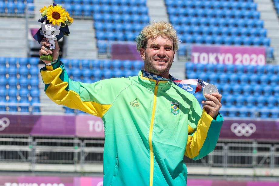 Pedro Barros, do Brasil, ganha a prata no skate -
