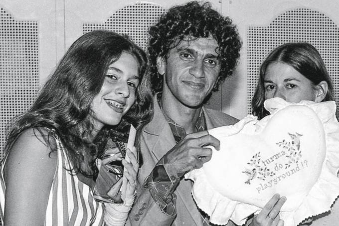 Paula-Lavigne-,-Caetano-Veloso-e-Dede-Gadelha-Veloso-1982.jpg